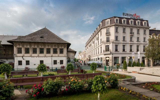 Central Accommodation in Bucharest near the Old Town - Europa Royale